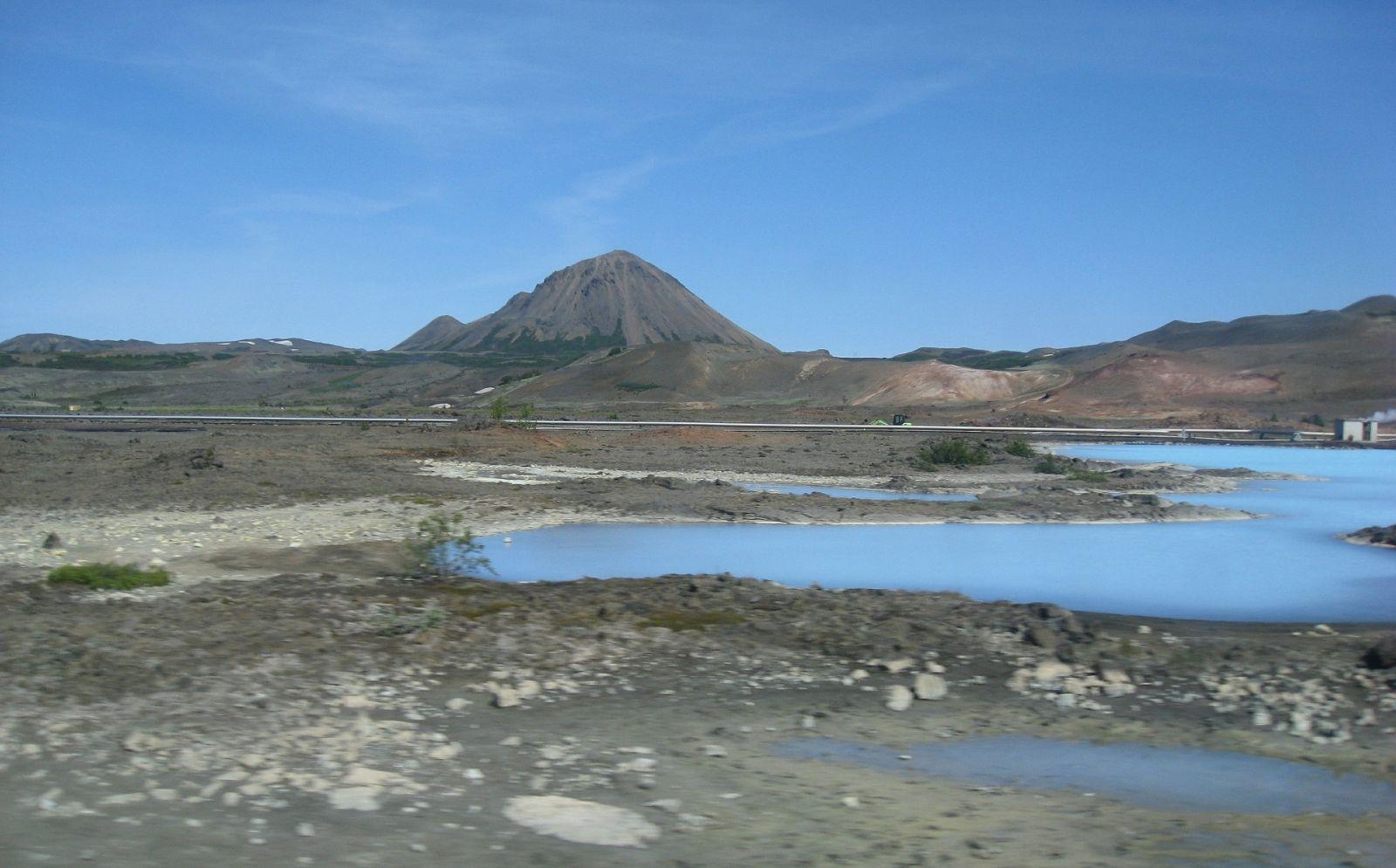 Mývatn biedt water, wandelpaden, paardrijden en veel natuurschoon.
