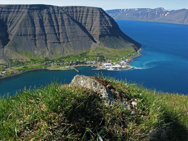 IJsland nòg makkelijker bereikbaar